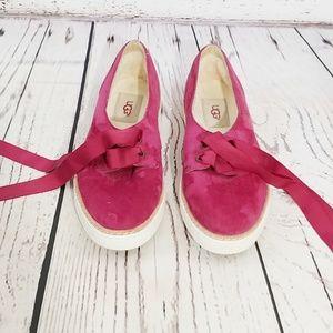 Nwot Ugg fuschia slip on loafers